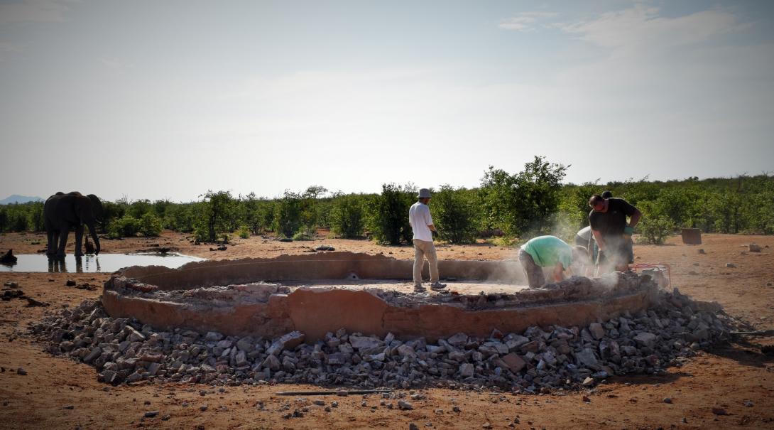 Projects Abroad conservation volunteers help building waterholes in Botswana.